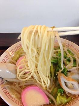 さのや ラーメン 麺.JPG