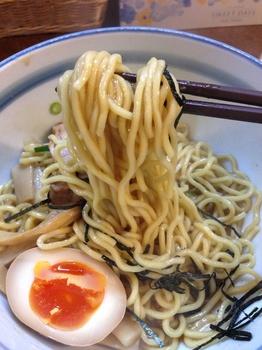 ぼにしも 油そば(麺).jpg
