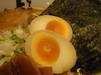 よし丸ラーメン 煮玉子.JPG