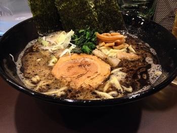 舞の黒ラーメン (2).JPG