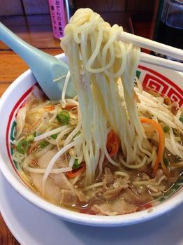 野菜ラーメン 麺.JPG