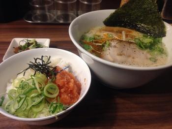 香味徳(白)と明太丼.jpg