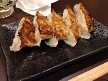麺屋舞舞 ギョーザ (1).JPG