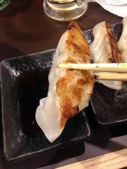 麺屋舞舞 ギョーザ (2).JPG